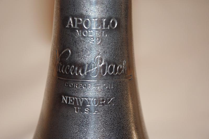 Apollo_55_bugle_800px